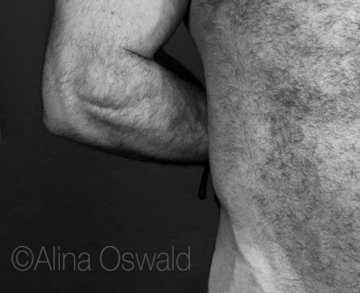 Bodyscapes. Hand behind back. Photo by Alina Oswald.