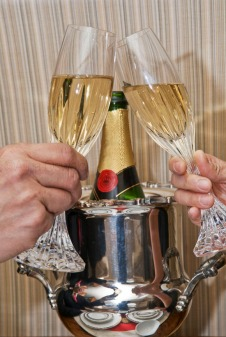 Cheers! Photo by Alina Oswald.
