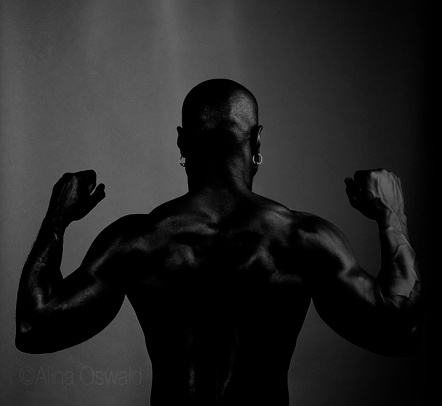 Fitness Portrait in black and white. Photo by Alina Oswald.
