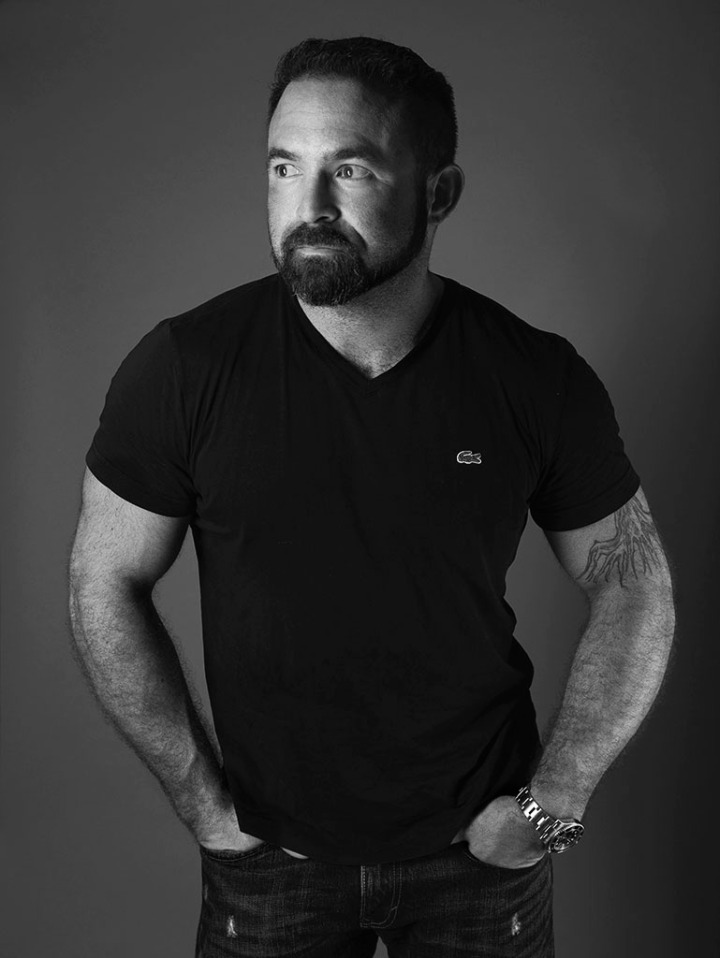 Photographing Men - studio portraits in black and white. ©Alina Oswald.