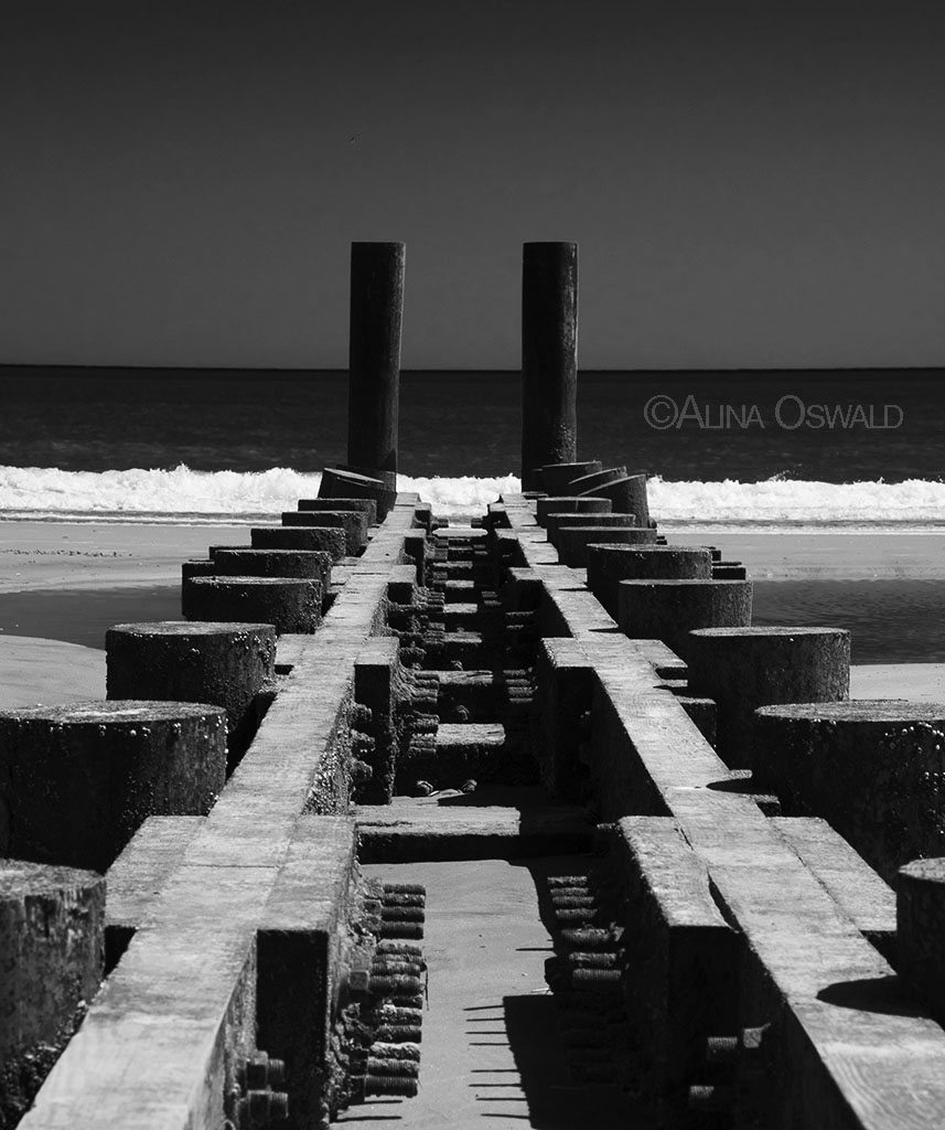 Converging and parallel lines on Atlantic City, NJ, beach. Photo by Alina Oswald.