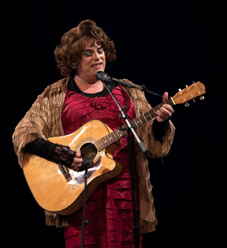 Rev. Yolanda performing. Photo by Alina Oswald.