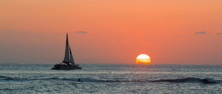 Sailing into the Sunset. ©Alina Oswald.