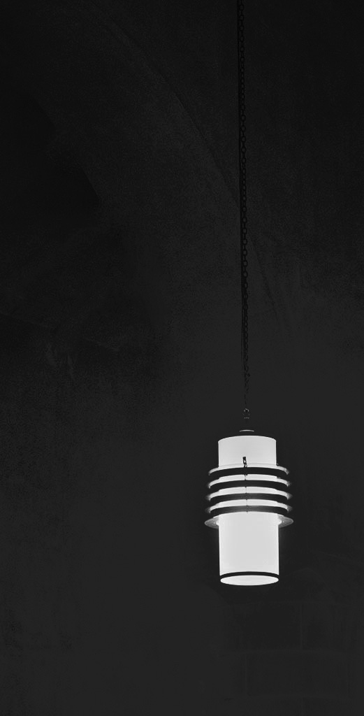 Examples of minimalist images ©Alina Oswald.