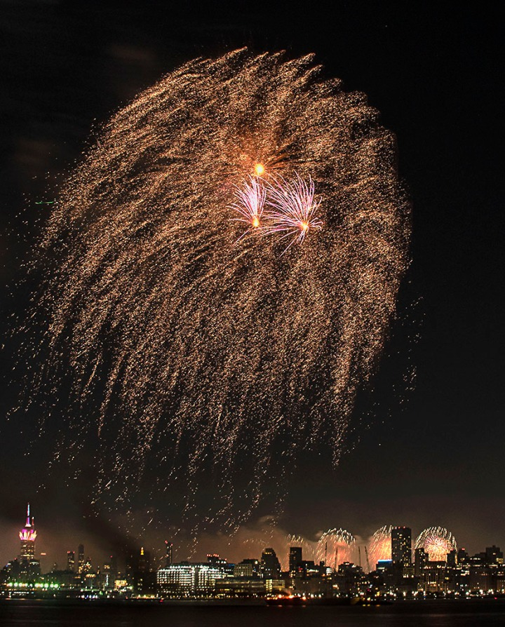 July 4th 2021 fireworks display in the NYC area. ©Alina Oswald. All Rights Reserved.